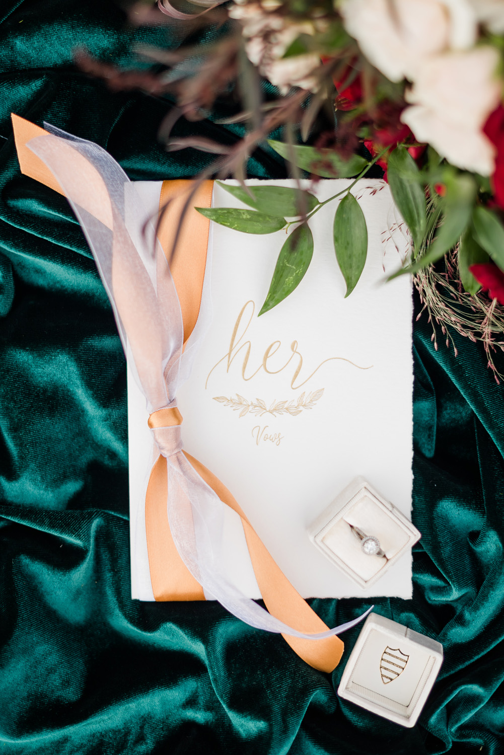 Festive Sunny Winter Wedding Inspiration | JW Marriott Las Vegas Wedding | Kristen Marie Weddings + Portraits